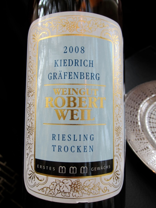 The wine pairing for the starters, a nice crisp riesling, which everyone loved